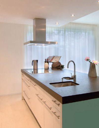 moderna led svetila v kuhinji